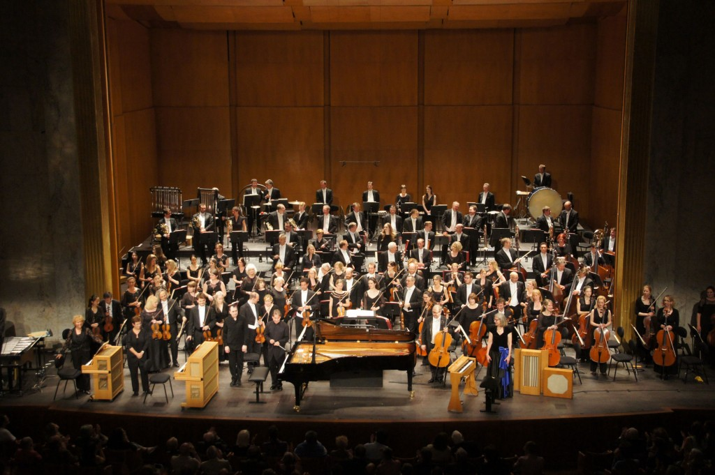 Esa-pekka Salonen, Pierre-Laurent Aimard, Valérie Hartmann-Claverie, Philharmonia orchestra